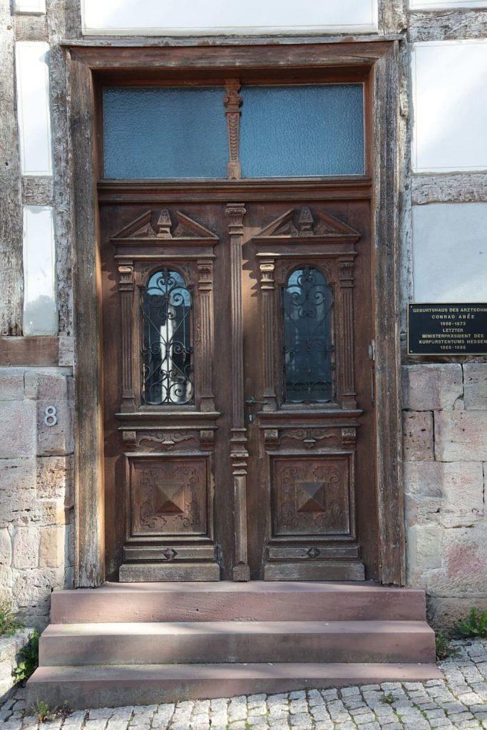 puerta con ventana de roble
