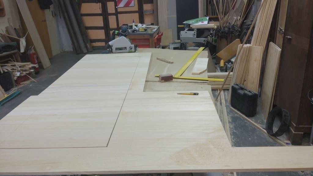 Cutting paulownia boards