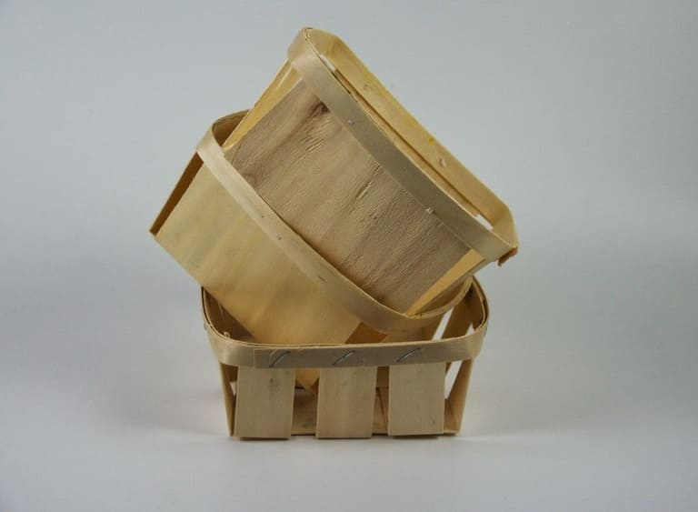 Boxes made upon poplar wood.