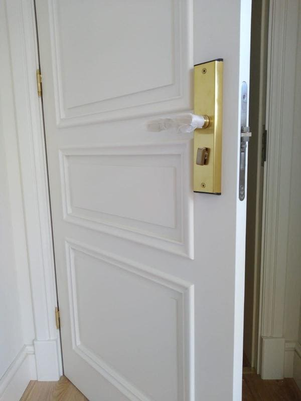 cerradura en la puerta